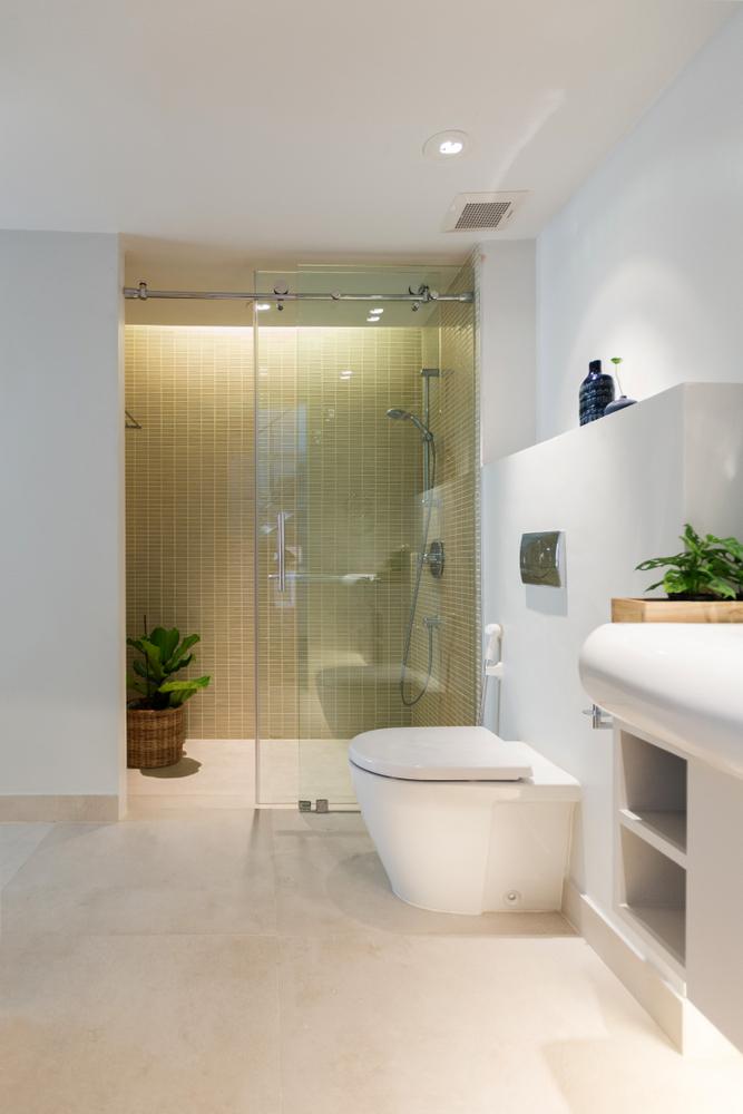 iluminar un baño: ilumina la ducha