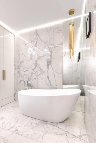 reformar el baño tu mismo con bañera