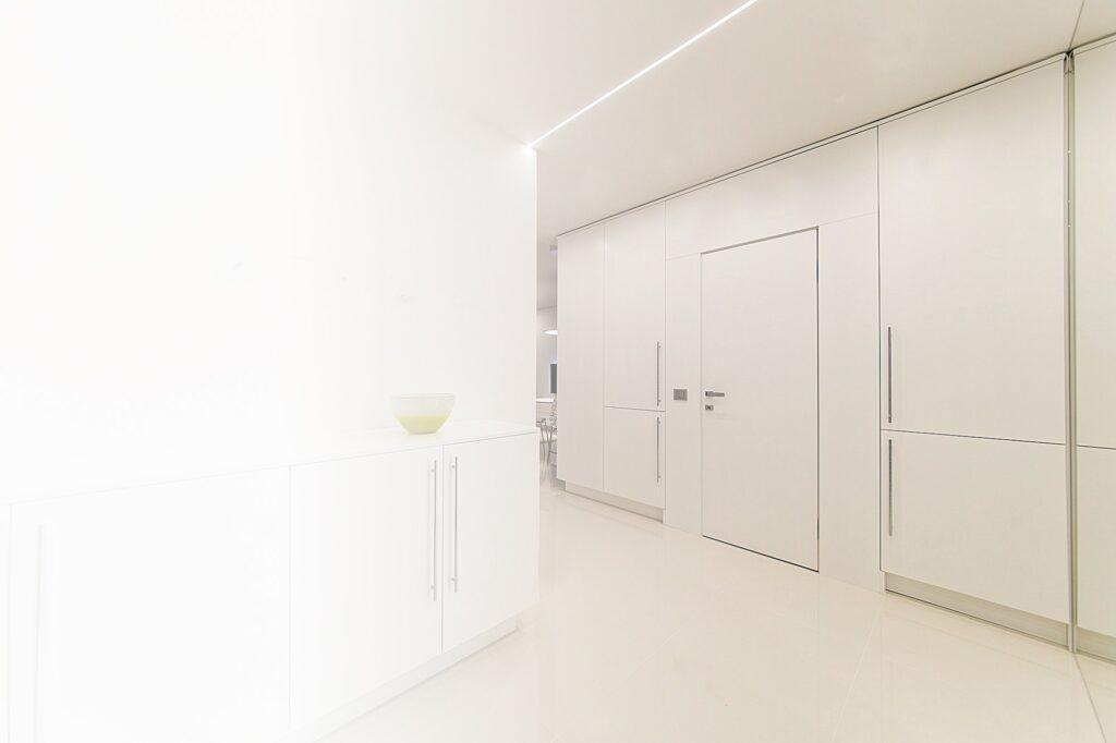 tiras LED por distancia máxima recomendada entre el emisor y el objeto a iluminar