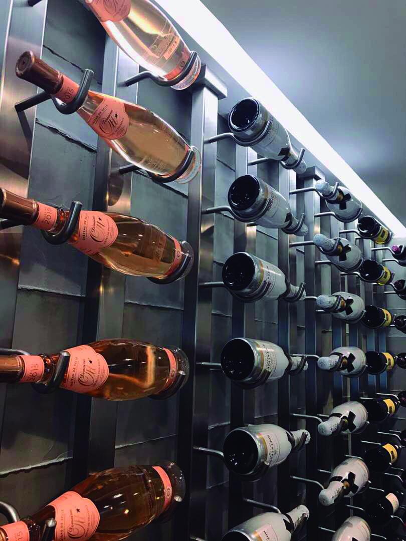 arquitectura y diseño de tienda de vinos