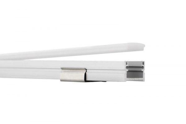 Perfil para tira LED EVE LUMSTOCK tiene cobertura de policarbonato gruesa para impedir el traspaso de la humedad