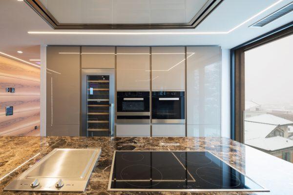 Perfil tira LED 180 grados RODY para cocinas