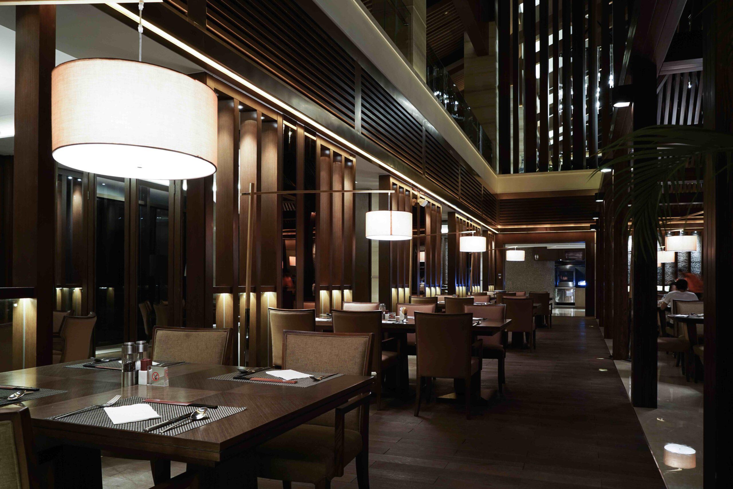 luz ambiental sutil para restaurantes