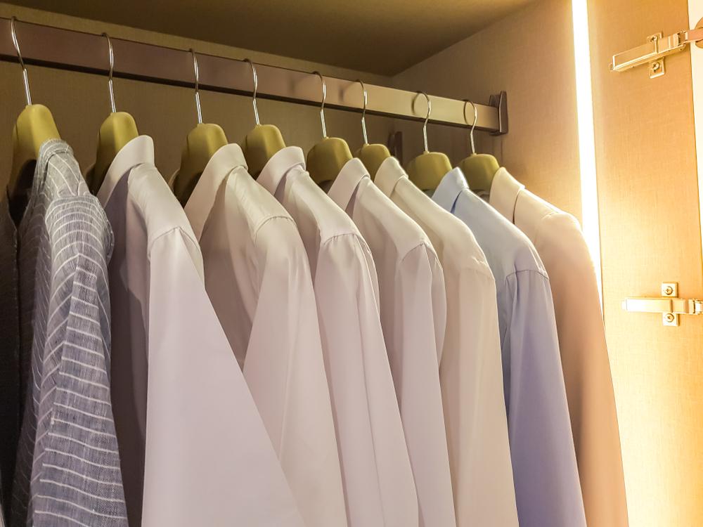 perfil LED superficial para armarios
