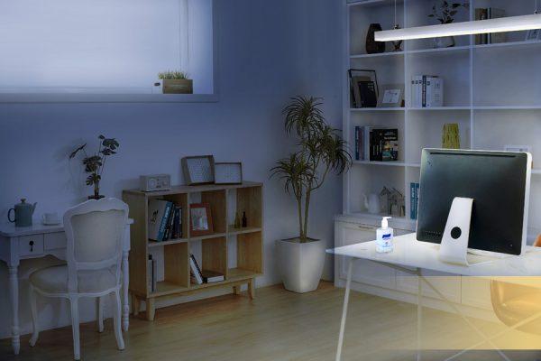 Oficina en casa con luz para concentración