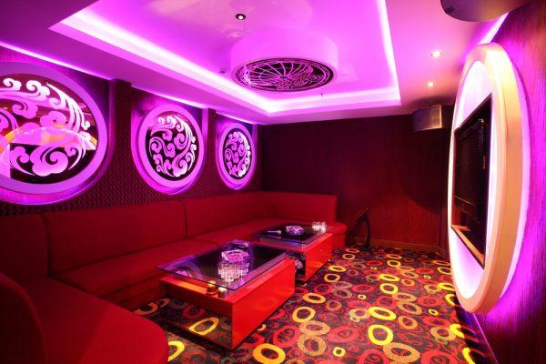 Tira LED RGB para restaurante