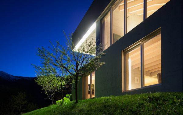Tira LED exterior manguera emisión doble cara para fachadas